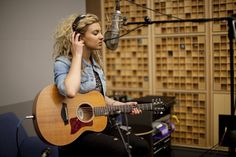 Pop Singer Tori Kelly's 'Unbreakable Smile' Keeps Her Optimistic Tori Kelly  #ToriKelly