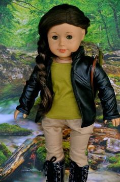 Katniss Everdeen outfit photographed by Agoverseasfan.....this is my profile picture... all credit to Agoverseasfan. And yes, I named my doll Daisy after her Daisy-Alice:)