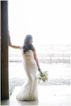 Vintage barn wedding | Rainy Day Formals | Wedding moments | Julie Paisley Photography | www.juliepaisley.com