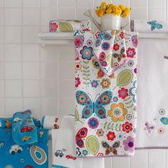 Girl's Bath Towel With Butterflies