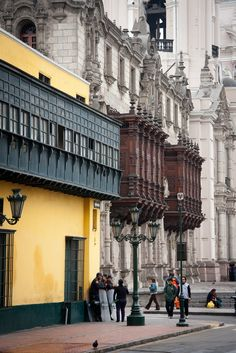 La Casa del Oidor et les bacons du Palacio del Arzobispo | Plaza Mayor, Lima, Perú