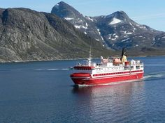 Twice a week the ferry M/S Sarfaq Ittuk plys kilometers along the west coast of Greenland from Ilulissat in the north to Qaqortoq in the south. Greenland Shark, Green Landscape, Countries Of The World, Fun Activities, West Coast, Places To See, North America, Boat, Tours
