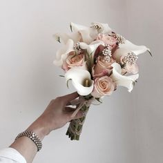 Hand Bouquet Wedding, Small Wedding Bouquets, Small Bouquet, Bride Bouquets, Floral Wedding, Wedding Flowers, Calla Lillies Wedding, Calla Lily Bouquet, Hand Flowers