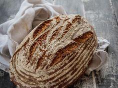 Sauerteig-Brot selber backen ist keine Wissenschaft mehr. Mit diesem Rezept geht es ganz einfach.