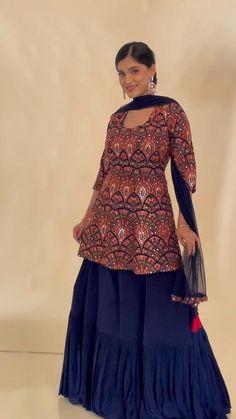 Party Wear Indian Dresses, Designer Party Wear Dresses, Indian Gowns Dresses, Indian Bridal Outfits, Dress Indian Style, Indian Fashion Dresses, Indian Designer Outfits, Pakistani Dresses, Fashion Outfits