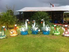 our different swans visit our page at  https://www.facebook.com/reciclamosyembellecemos