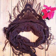 Небольшая, но очень тёплая шаль ищет плечи 😇 шерсть итальянского мериноса. Цвет чёрного шоколада 🍫 придайте своему образу немного #бохо шика.  Very warm  shawl looking for a friend. If you have a questions - just ask me in private. 100% pure merino wool 👌 #bymouse #вязаниеназаказ #вязаниекрючком #вяжутнетолькобабушки #рукинедляскуки #вязаниеспицами #вязание #вещиназаказ #назаказ #бохо #бохостиль #шаль #мода #стиль #зимниепрогулки #зима #україна #knitting #knit #handmade #scarf #ilikeit…