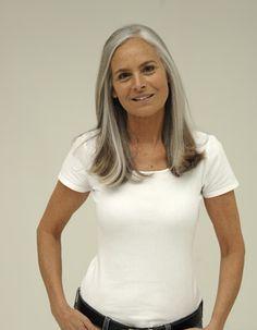 Grey Ash Brown Hair, Silver White Hair, Long White Hair, Silver Age, Grey Hair Styles For Women, Long Hair Styles, Grey Hair Inspiration, Grey Hair Don't Care, Gray Hair Highlights