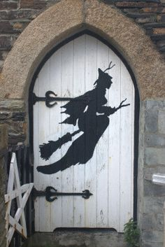 The door to the little witches room! This is fab inspiration for your interior or exterior doors this Halloween - a witch (or wizard) silhouette using black card. From the Museum of Witchcraft in Cornwall, England. Photo Halloween, Holidays Halloween, Vintage Halloween, Halloween Crafts, Happy Halloween, Halloween Decorations, Halloween Door, Halloween Witches, Halloween Camping