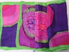 Bufanda de seda pintada a mano de la serie Utopía, por Patricia Bueso F.