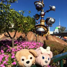 It's a beautiful morning! #duffy #duffybear #duffythebear #duffythedisneybear #disney #disneyland  #disneyland60 #tsum #tsumtsum #disneytsum #disneytsumtsum #shelliemay #humpday by duffysdisneyadventures