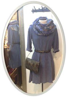 Nuestro vestido SELENA , con unos complementos fantásticos!