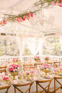 Beautiful wedding reception; Photo: Studio Impressions Photography