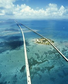 Seven Mile Bridge, Florida Keys, USA  a famous bridge in the Florida Keys, United States. It connects Knight's Key in the Middle Keys to Little Duck Key in the Lower Keys. Among the longest bridges in existence when it was built, it is one of the many bridges on US 1 in the Keys, where the road is called the Overseas Highway