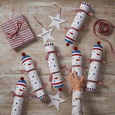 Buy The Little White Company Snowman Crackers - Set of 6 - from The White Company