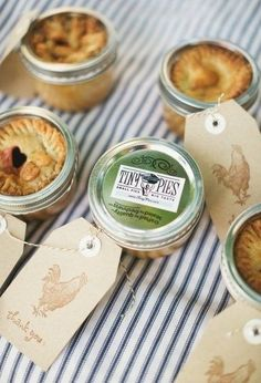 Fall Wedding Favors: present your guests with mini pies in a seasonal flavor like Apple, Pumpkin, or Pecan Wedding Favour Jars, Creative Wedding Favors, Unique Wedding Favors, Wedding Party Favors, Wedding Gifts, Wedding Ideas, Wedding Stuff, Wedding Planning, Wedding Inspiration