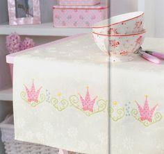 Princess Crown free cross stitch pattern from www.coatscrafts.pl