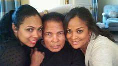 Ali with daughters (Hana Ali, Muhammad Ali, Laila Ali)