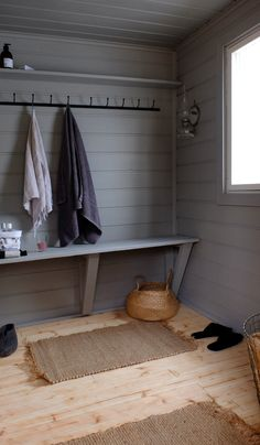 I love this fine-looking photo Cottage Design, Cottage Style, Pool Changing Rooms, Pool Shed, Sauna Design, Outdoor Sauna, Spa Rooms, Coastal Bedrooms, Beach Cottage Decor