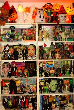 Halloween Collectibles......Kitschy Living