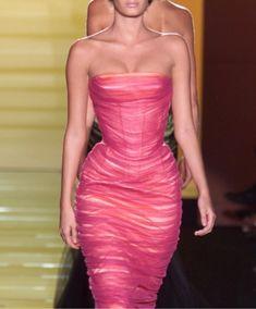 Couture Fashion, Runway Fashion, High Fashion, Fashion Show, Fashion Outfits, Fashion Design, Looks Style, Looks Cool, Pretty Dresses
