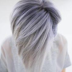 Pin for Later: Smoky Lilac Est la Couleur de Cheveux Grunge Glam Que Vous Devriez Essayer