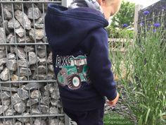 Immer mehr upcycling {Sweatjacke für den Babybuben}t | Bea's Kreativblog - genäht für littleJo Sweatshirts, Sweaters, Fashion, Upcycling Ideas, Jackets, Moda, Fashion Styles, Pullover, Fasion