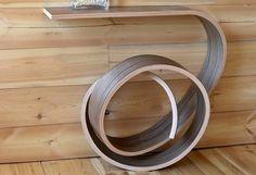 Дизайнерский консольный столик из гнутой фанеры