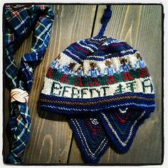 Colourful earflap hat with scout motto!...........SPEIDER LUA