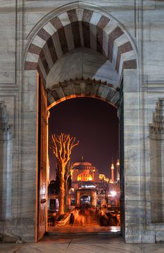 Hagia Sofya from the Blue Mosque. Istanbul, TURKEY