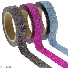 Assortiment Masking tape Glitter Noir bleu Rose fuchsia - 1 cm x 10 m - 3 pcs, Référence 00074316, Cet assortiment de masking tape Glitter (Noir bleu Rose fuchsia) contient 3 rouleaux de 1 cm x 10 m. Qu'est ce que le masking tape ? Ce rouleau de ruban adhésif décoratif ou appelé masking tape peut s'appliquer sur toutes sortes de supports non poreux.