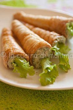 Febbraio#Vogliadi#Pasqua  Carotine di sfoglia con crema alla rucola  Carrots of pastry cream with rocket