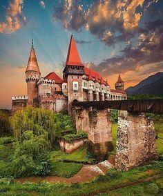 Corvin Castle in Hunedoara, Romania Have A Great Vacation, Great Vacations, Beautiful Castles, Beautiful World, Places Around The World, Around The Worlds, Visit Romania, Romania Travel, Voyager Loin