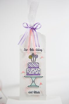 Geburtstagsanhänger mit 'Kuchen ist die Antwort' von Stampin' Up! Birthday Tags, Piece Of Cakes, Gift Tags, Stampin Up, Reusable Tote Bags, Paper, Card Ideas, Material, Cards