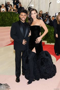 The Weeknd et sa compagne Bella Hadid à la Soirée Costume Institute Benefit Gala 2016 (Met Ball)
