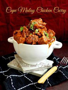 Great recipe for Cape Malay Chicken Curry. A simple, tangy and spicy Malaysian Chicken curry, that leaves you wanting for more ! South African Recipes, Indian Food Recipes, Asian Recipes, Ethnic Recipes, Malaysian Cuisine, Malaysian Food, Quick Chicken Curry, Malay Food, Curry Recipes