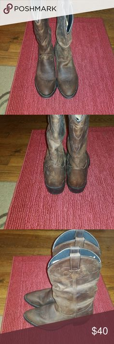 UGH COWGIRL BOOTS Cute clean and undamaged. Hh Shoes Combat & Moto Boots