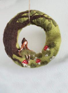 waldorfinspirierte Figuren aus Filz Waldmädchen