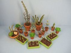 Making Miniature Plants.  LC: This is an interesting tutorial. Saw a few things I hadn't thought of. Would also make nice beds in a tiny garden,