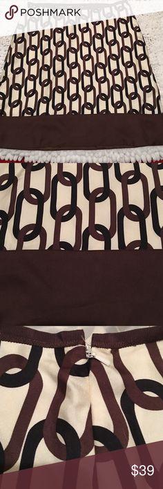 "Banana Republic•Silk•Skirt Banana Republic chain Link Silk Skirt size 4- Silk - Fully Lined- NWOT-28"" waist and 19"" length Banana Republic Skirts Midi"