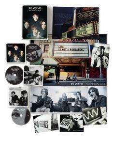 """Ab der """"Bittersweet Symphony"""" kannte sie jeder dabei lohnt es sich bei den Brit-Poppern von The Verve aber auch sehr einen Blick auf die Werke vor der """"Urban Hymns"""" zu werfen. Das Debüt """"A Storm In Heaven"""" sowie der Zweitling """"A Northern Soul"""" erscheinen dieser Tage in aufwendigen """"Super Deluxe Editions"""". Wir haben einen Blick auf """"A Northern Soul"""" geworfen: http://monkeypress.de/2016/09/reviews/cd-reviews/the-verve-a-northern-soul-super-deluxe-edition/"""