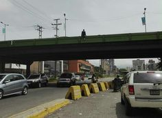 ¡Tragedia! Mujer se lanzó desde el elevado de El Viñedo (+fotos)