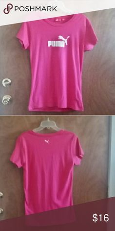 Puma pink top sz XL. Puma pink and white top. Size says XL but fits more like a medium or large. Excellent pre-loved condition! Puma Tops