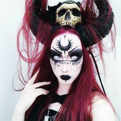 - Halloween / Fasching - Make-up Demon Makeup, Witch Makeup, Cool Halloween Makeup, Dark Makeup, Halloween Looks, Halloween Cosplay, Fx Makeup, Voodoo Makeup, Ghost Makeup