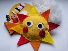ušij si ... sluníčko Sluníčko pro radost, nebo jako dárek či dekoraci... ...materiál pro vlastnoruční výrobu sluníčka. Pro děti asi od 7 let (spíše však s pomocí nebo pro pokročilé :o) ...) Moje 9-ti letá dcera ušila sama s drobnou pomocí. rozměr sluníčka je 11x11 cm bez paprsků a 19x19 cm s paprsky ... všechny dílky, včetně fotonávodu, přibaleny.