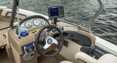 whitesmarine.com Crestliner 1950 Superhawk #WhitesMarineCenter #TeamWhitesMarine #Crestliner #CrestlinerBoats #TeamCrestliner #Boat #Boating #Luxury #Lifestyle #BoatLife