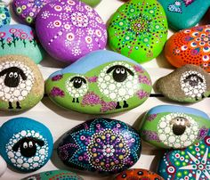 Sheep painted on stones | glinsterling | Flickr