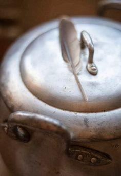 """Receta 818: Manera de desplumar las aves » 1080 Fotos de cocina, proyecto basado en el libro """"1080 recetas de cocina"""", de Simone Ortega. http://www.alianzaeditorial.es/minisites/1080/index.html"""