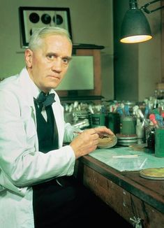 Sir Alexander Fleming FRS FRSE FRCS was a Scottish biologist, pharmacologist and botanist. His best-known discoveries are the enzyme lysozyme in 1923 and the world's first antibiotic substance Alexander Fleming, National Geographic, James Watson, Professor, Michael Faraday, London University, Prix Nobel, The Inventors, Vintage Medical