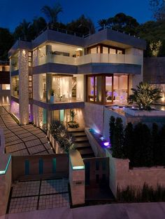 Architecture, Amazing Design Luxury Home Along With Staircase As Well As Plants And Lighting Ideas: Outstanding Design Of Modern Home For Sa. Houses Architecture, Architecture Design, Bill Gates's House, Big Houses, Fancy Houses, Modern Houses, House Goals, Home Interior, Modern Interior